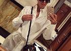 Biała koszula w stylizacjach gwiazd. Klasyka, która podkreśli twoją sylwetkę