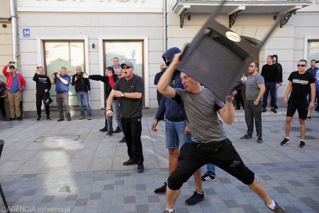 Lublin. Marsz Równości i policjanci zaatakowani przez kontrmanifestację