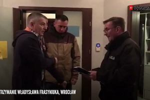 Władysław Frasyniuk zatrzymany przez policję. Został wyprowadzony z mieszkania w kajdankach