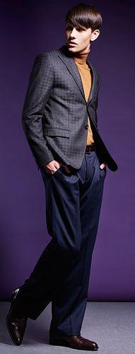 Formalnie bez garnituru, styl, moda męska, marynarki, spodnie, buty, Spodnie Hugo, wełna. Cena: 719 zł  Golf Bytom, bawełna. Cena: 179,90 zł  Marynarka Hugo, wełna. Cena: 3490 zł  Buty Boss Selection, skóra. Cena: 2290 zł