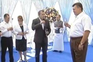Wyp�yn�o wideo z 61. urodzin Janukowycza. W krymskiej rezydencji bawi�a si� elita polityczna