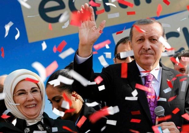 """Prezydent Turcji szokuje na zje�dzie po�wi�conym prawom kobiet. """"Nie jeste�my sobie r�wni"""""""