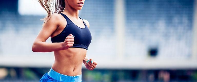 Jedz częściej, zacznij biegać. 7 trików dzięki którym zachowasz formę po lecie