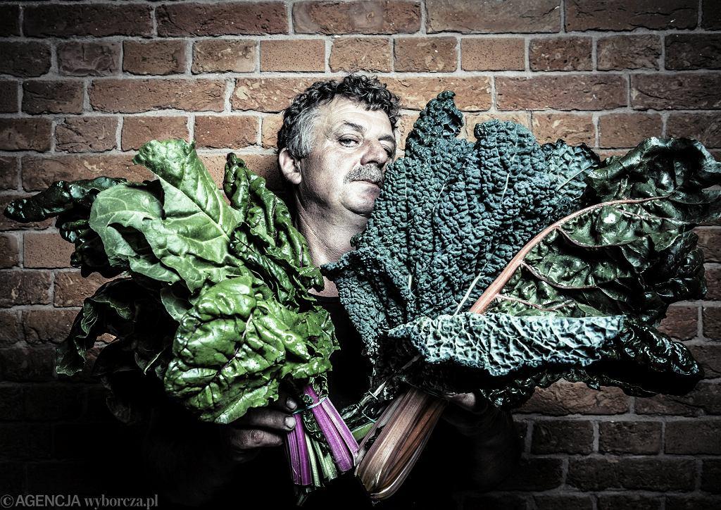 Sprzedawca warzyw Pan Ziółko / Fot. Albert Zawada / Agencja Gazeta