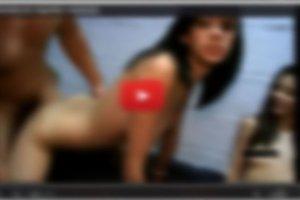 Treści z portali pornograficznych często trafiają na Facebooka- są źródłem wiadomości prowadzących do fałszywych serwisów wyłudzających dane.