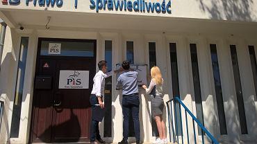 Happening Młodych Demokratów przed siedzibą PiS w Szczecinie