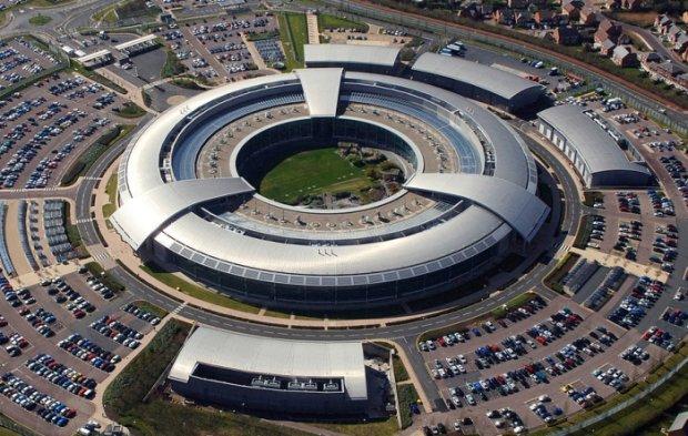 """""""Guardian"""": brytyjska agencja wywiadu przechwyci�a 70 tys. maili. W�r�d nich s� wiadomo�ci dziennikarzy"""