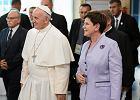 Część rządu Beaty Szydło i Episkopat leci do Watykanu na narodową pielgrzymkę
