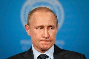 Rubel ostro pikuje. Jest najs�abszy od lutego. Cena ropy znowu pogr��a rosyjsk� walut�