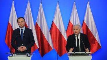 Prezydent Andrzej Duda i Jarosław Kaczyński podczas wspólnej konferencji prasowej