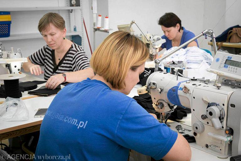 Fabryka bielizny damskiej w Białymstoku. Fot. Agnieszka Sadowska/ Agencja Gazeta