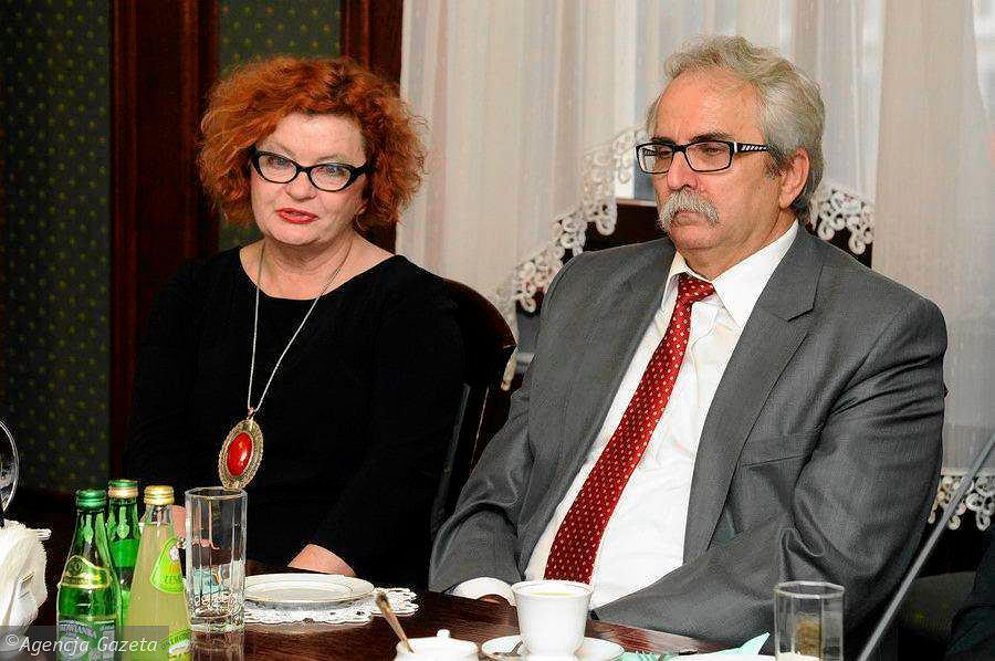 Przydent Rafał Bruski wręczył nagrody bydgoskim profesorom