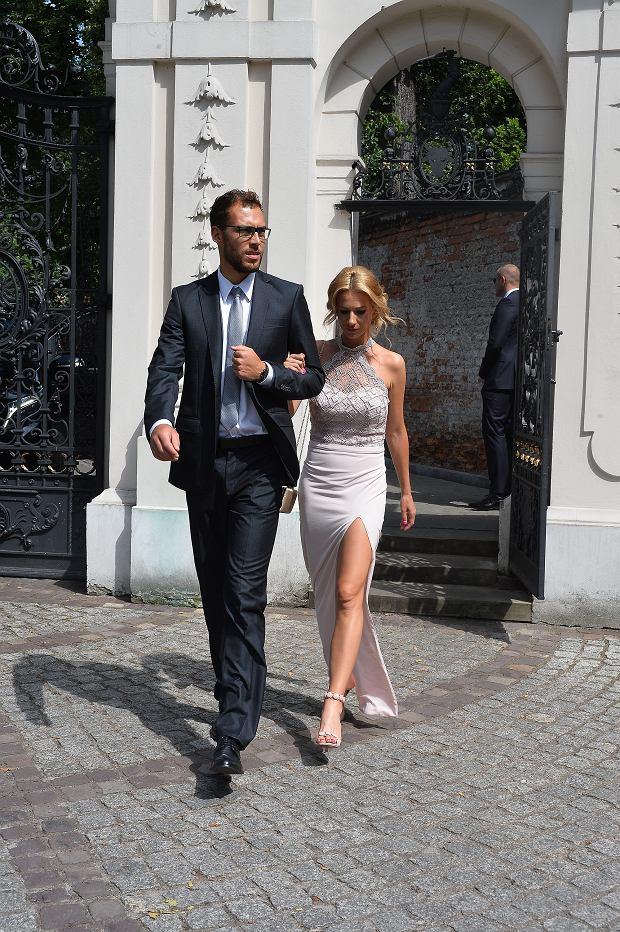 Zdjęcie numer 22 w galerii - Agnieszka Radwańska już po ślubie! Wśród gości sławy. Ale show kradnie suknia panny młodej. Obłędna! [ZDJĘCIA]