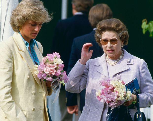 Księżna Diana, królowa Elżbieta w 1987