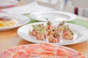 Sushi z suszonej szynki serrano e.t.g. z karmelizowan� cebul� i jab�kiem