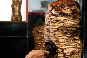 Zaatakował Turka w barze z kebabem. Grozi mu 5 lat więzienia