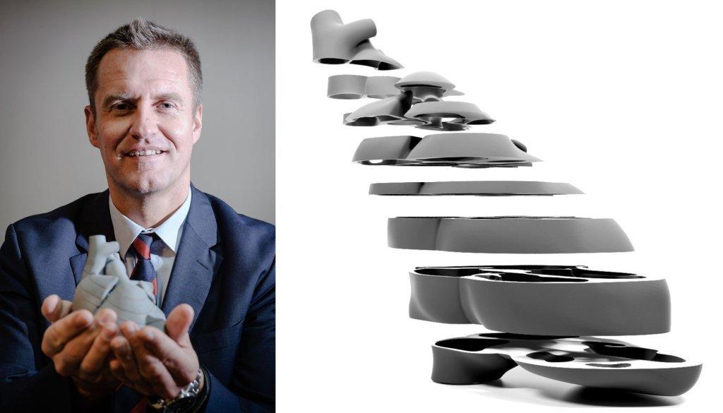 Dr Marcin Wiecheć. Obok model serca (fot. materiały prasowe)