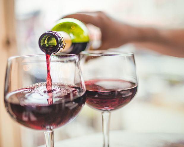 Padaczka alkoholowa - kiedy występuje i czy da się jej zapobiec? [objawy, porady, pierwsza pomoc]