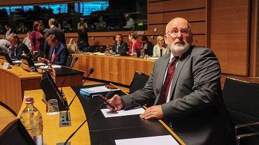 Timmermans podczas wysłuchania Polski przez Radę UE we wtorek w Luksemburgu. - Nie usłyszeliśmy dziś informacji o żadnym kolejnym kroku Warszawy, by odpowiedzieć na zastrzeżenia - mówił I wiceprzewodniczący KE