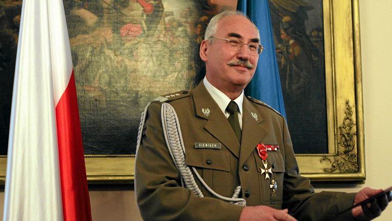 Gen. Mieczysław Cieniuch