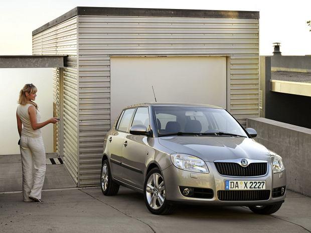 Idealne do miasta za 10-15 tysięcy złotych - Opel Corsa D vs. Skoda Fabia II