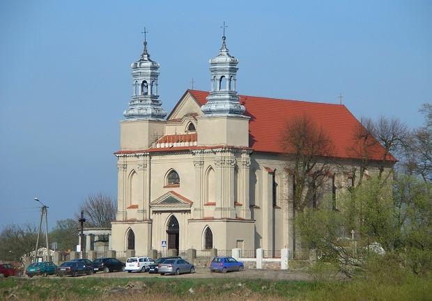 Zabytkowy kościół w Rogowie w Kujawsko-Pomorskiem