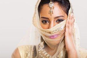 Hinduski spos�b na gwa�ciciela: stanik, kt�ry kopie i gryzie