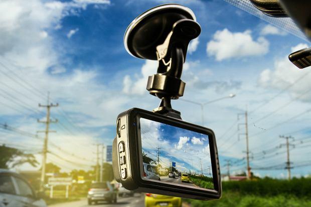 Kamery samochodowe wyprzedaże