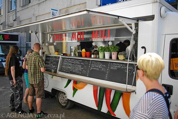 zlot food truck w podczas fit bazaru w piotrkowskiej 217. Black Bedroom Furniture Sets. Home Design Ideas