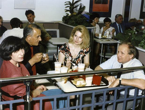 Otwarcie pierwszego McDonalda w Polsce