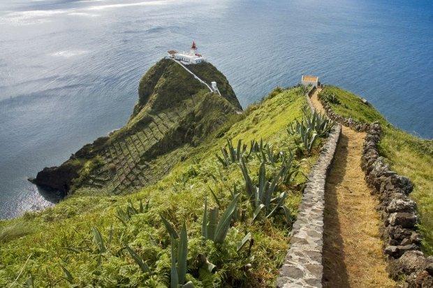 Nie lubisz t�um�w na pla�y, a popularne kurorty omijasz z daleka? Azory - wyspy dla wybrednych