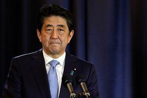 Premier Japonii Shinzo Abe odwiedzi Pearl Harbor