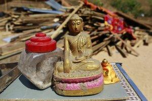 Odnaleziono z�ot� urn� z relikwiami Buddy. Zosta�a skradziona w grudniu