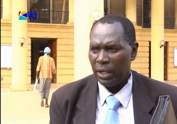 Dola Indidis, prawnik z Kenii