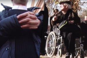 Niepełnosprawny liczył na pomoc parafii. Przeliczył się. Ksiądz: Ja już prawie spałem