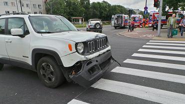 Wypadek z udziałem motocyklisty na ul. Wołoskiej w Warszawie