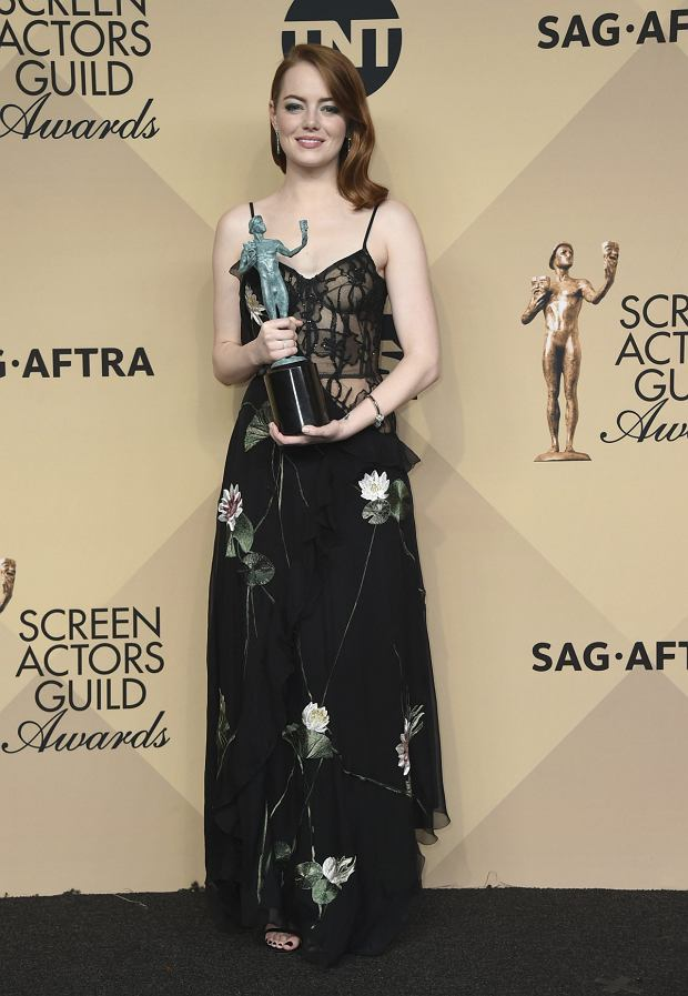 %Emma Stone poses in the press room with the award for outstanding performance by a female actor in a leading role for La La Land' at the 23rd annual Screen Actors Guild Awards at the Shrine Auditorium & Expo Hall on Sunday, Jan. 29, 2017, in Los Angeles. (Photo by Jordan Strauss/Invision/AP)