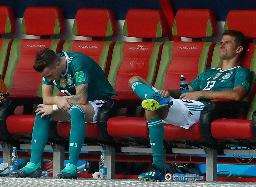 MŚ 2018. Niemcy - Korea Południowa. Po meczu rozpaczają Marco Reus i Thomas Mueller