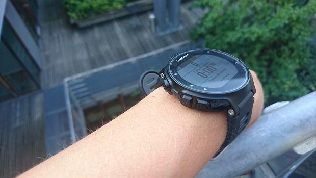 sprzęt do biegania, zegarek z pulsometrem