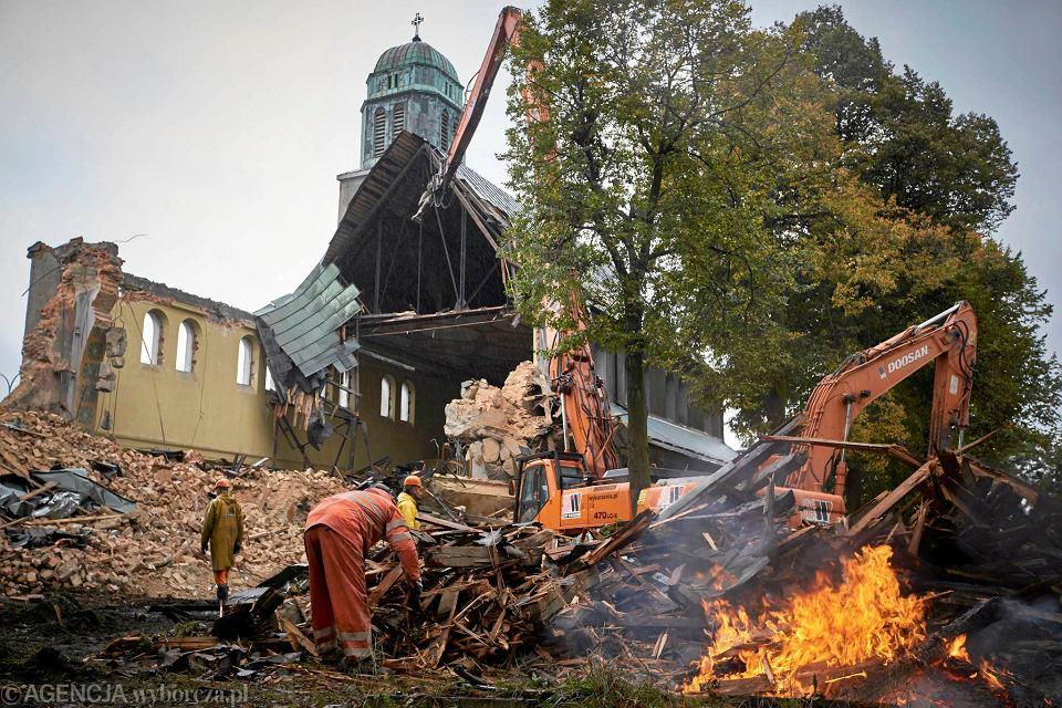 Zdjęcie numer 1 w galerii - Rozpoczęła się rozbiórka kościoła św. Józefa Robotnika w Bytomiu [ZDJĘCIA]