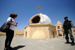 W Iraku nawet �wi�tynie nie s� �wi�te. W ataku na sunnicki meczet zgin�o 73 ludzi