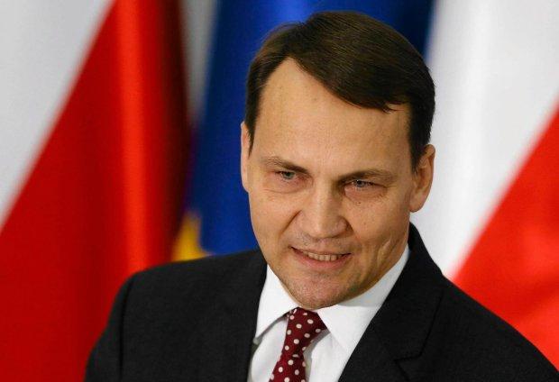 """Kaczyński w Sejmie: """"Boli was, ale sfałszowaliście wybory"""". Sikorski: """"Gdyby kontynuował, musiałbym posła przywrócić do porządku"""""""