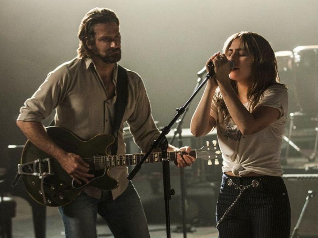 Narodziny Gwiazdy Bradley Cooper I Lady Gaga W Filmie Muzycznym