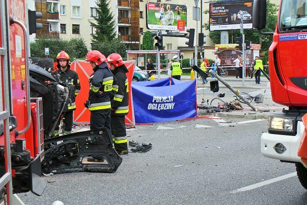 Tragiczny wypadek w Warszawie. Kierowca wjechał w pieszych