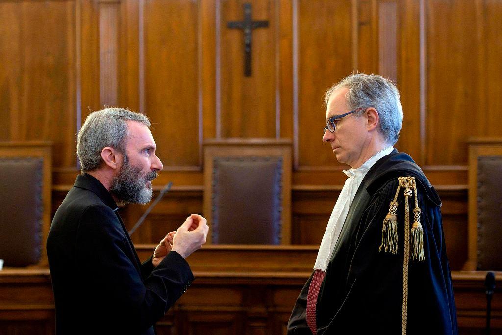 Watykan. Carlo Alberto Capella w sądzie