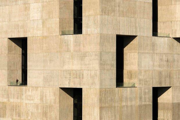 Pritzker 2016, najważniejsza nagroda w architekturze, dla Alejandro Araveny. To architekt biedaków