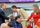 Ksi��� Filip z �on� na meczu HISZPANIA-W�OCHY! Witali si� z Donaldem Tuskiem!
