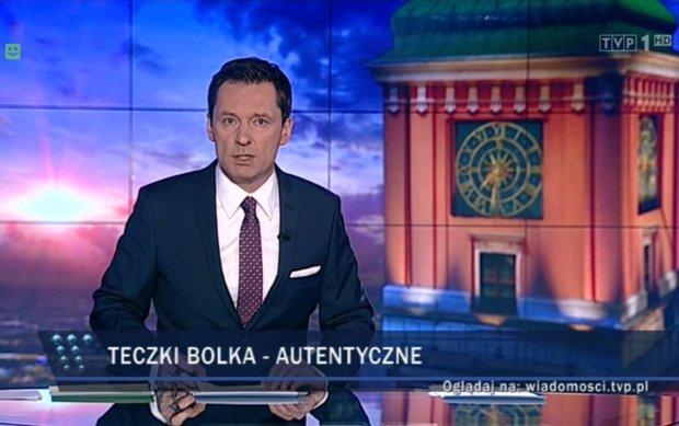"""Skąd Ziemiec w """"Wiadomościach"""" wziął grafologa? Szef IPN w TVN 24 mówi coś innego [RECENZJA]"""
