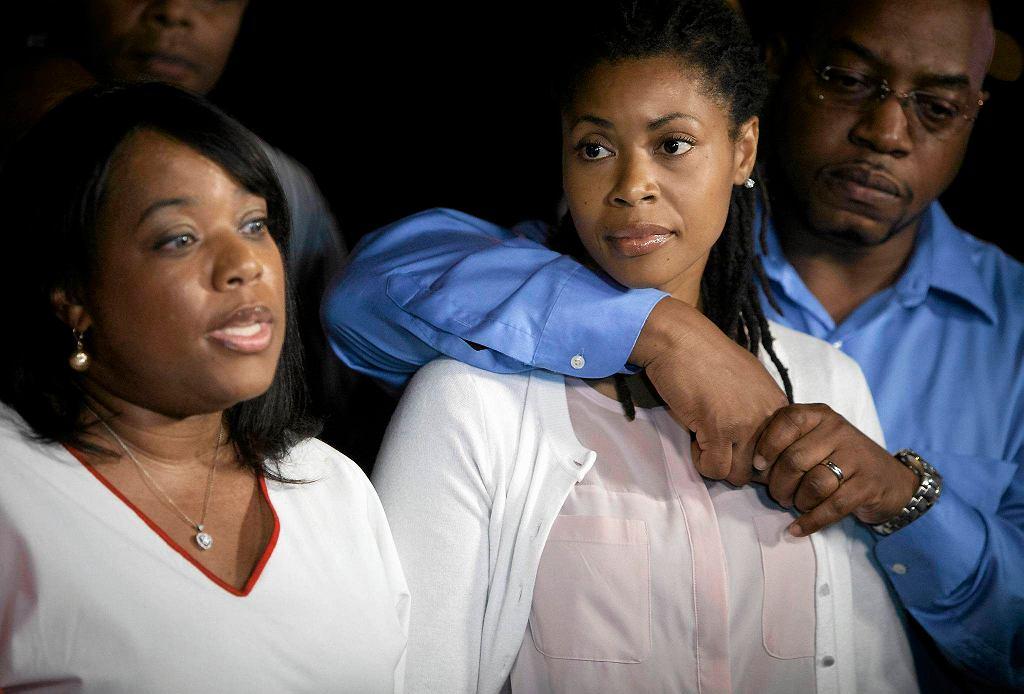 Od lewej: Valarie Carey, Amy Carey-Jones, siostry zastrzelonej pod Kapitolem Miriam Carey