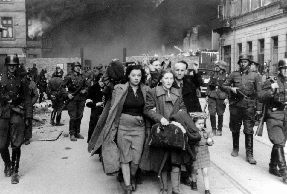 deportacja żydów fot. warszawa.wyborcza.pl
